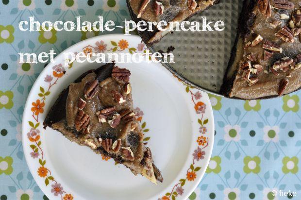 https://fiekefatjerietjes.wordpress.com/2015/02/28/chocolade-perencake-met-pecannoten/