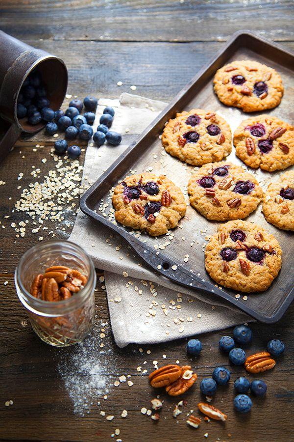 http://www.100-vegetal.com/2015/09/cookies-aux-myrtilles-noix-de-pecan-et.html