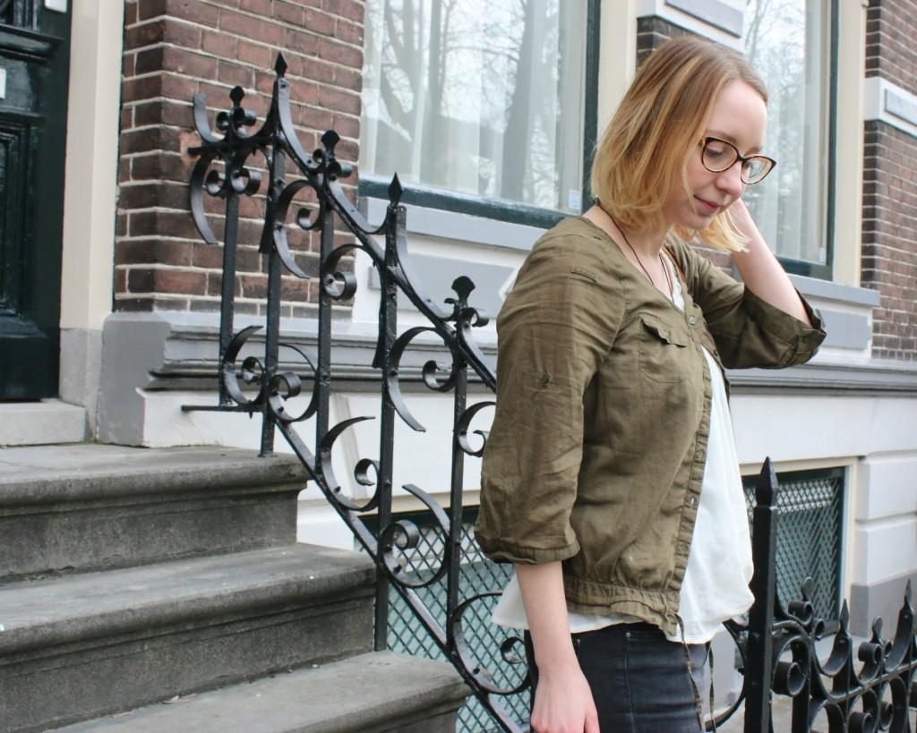 http://www.vintageandbeauty.com/