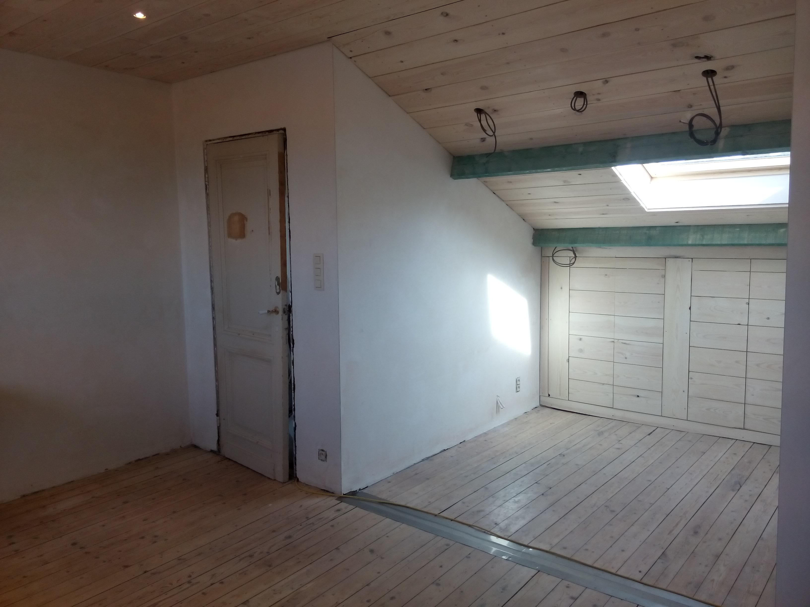 zolder oude kleine kamer
