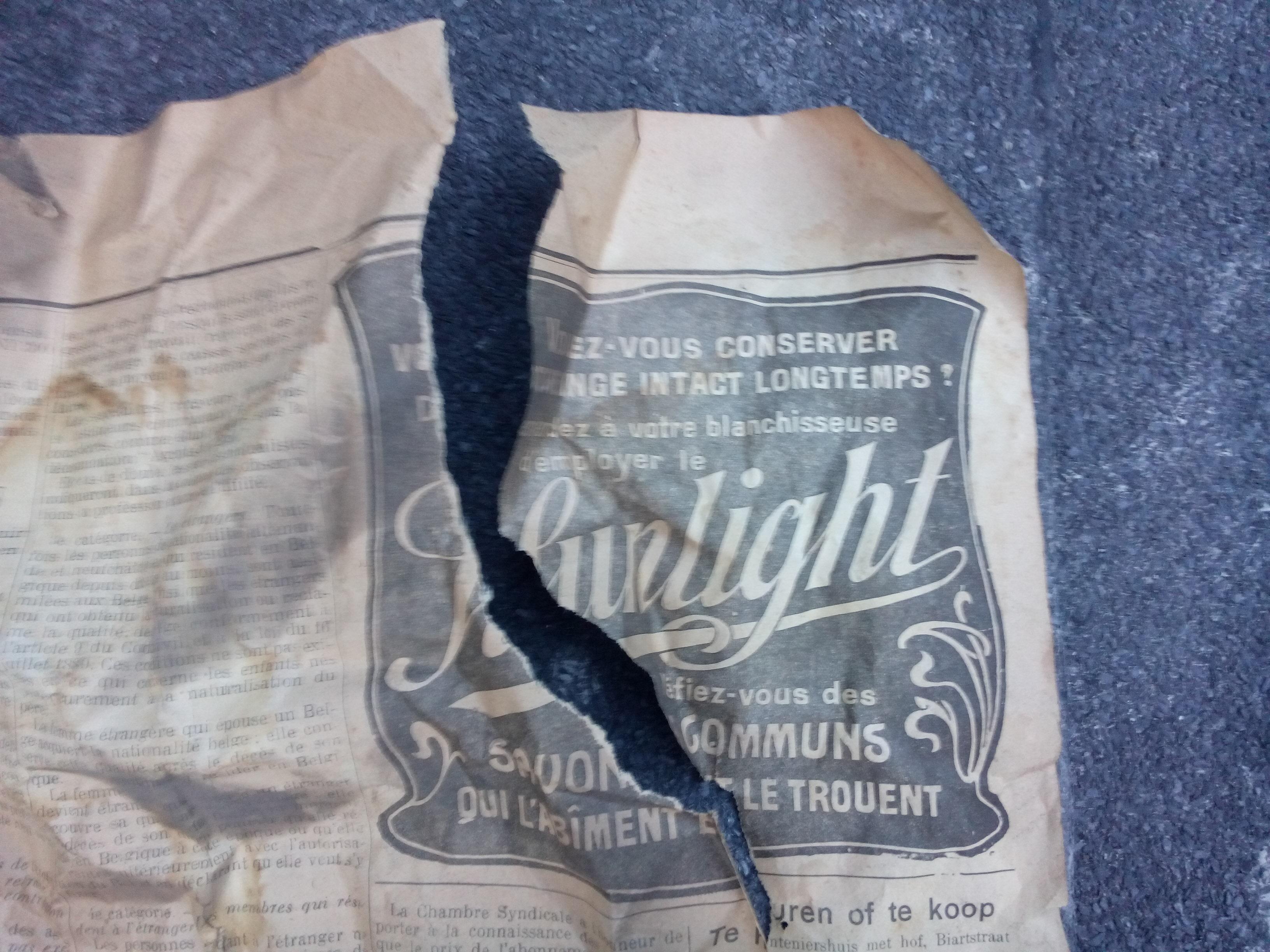 krant vloer sunlight gescheurd