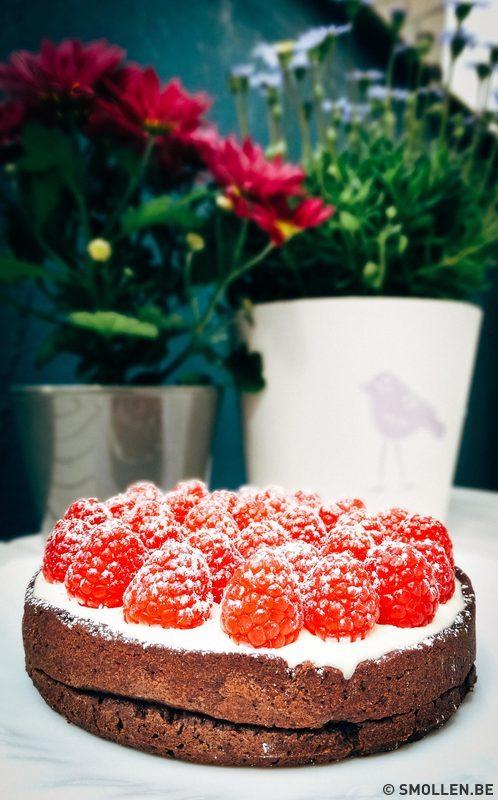 chocoladetaart-met-panna-cotta-en-frambozen-smollen