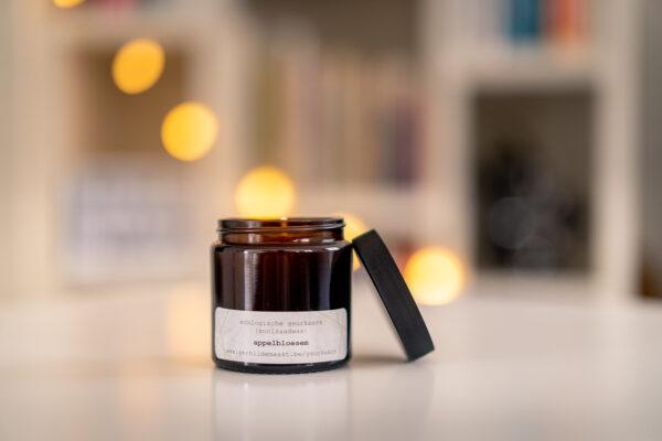 Kaarsen Gerhilde maakt appelbloesem apothekerspot door Yves Recour