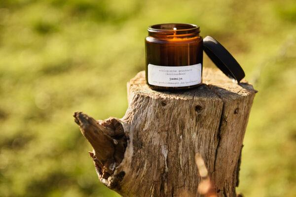 gerhilde maakt ecologische geurkaars jasmijn apothekerspot door Sophie Peirsman klein