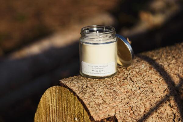 gerhilde maakt ecologische geurkaars white musk groot door Sophie Peirsman klein