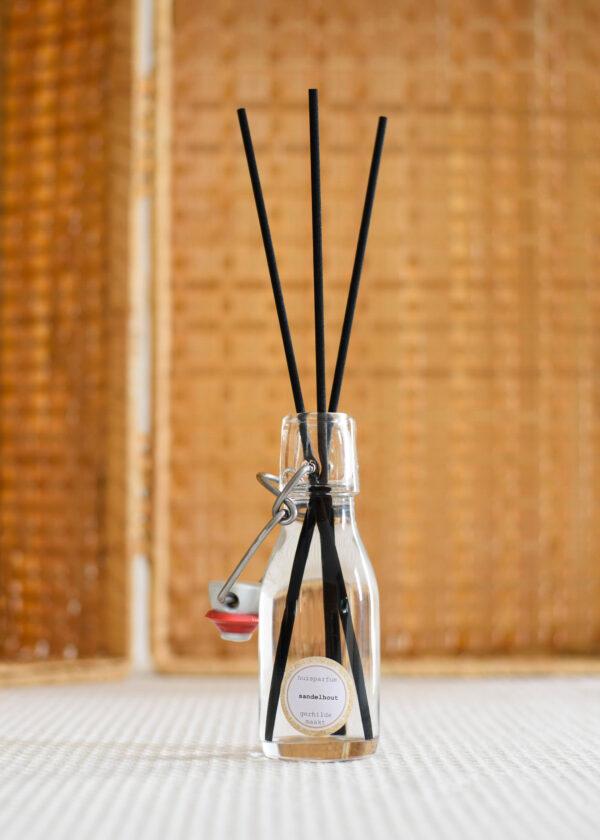 gerhilde maakt huisparfum sandelhout door Sophie Peirsman 3 klein