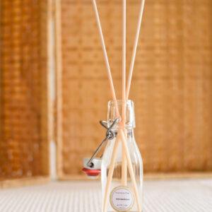 gerhilde maakt huisparfum sandelhout door Sophie Peirsman 4 klein