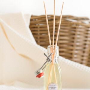 gerhilde maakt huisparfum versgewassen lakens door Sophie Peirsman 1 klein