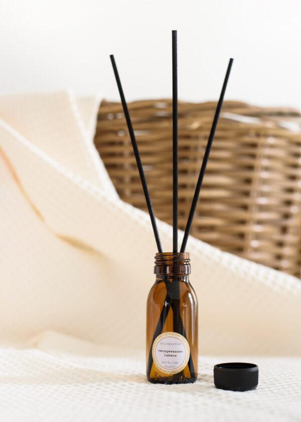 gerhilde maakt huisparfum versgewassen lakens door Sophie Peirsman 3 klein