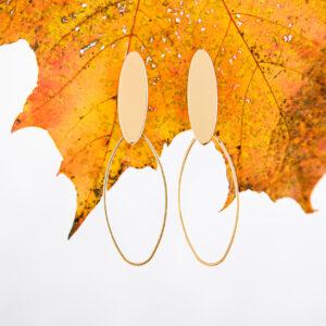 oorstekers gerhilde maakt ovalen lang goudkleurig door Sophie Peirsman klein